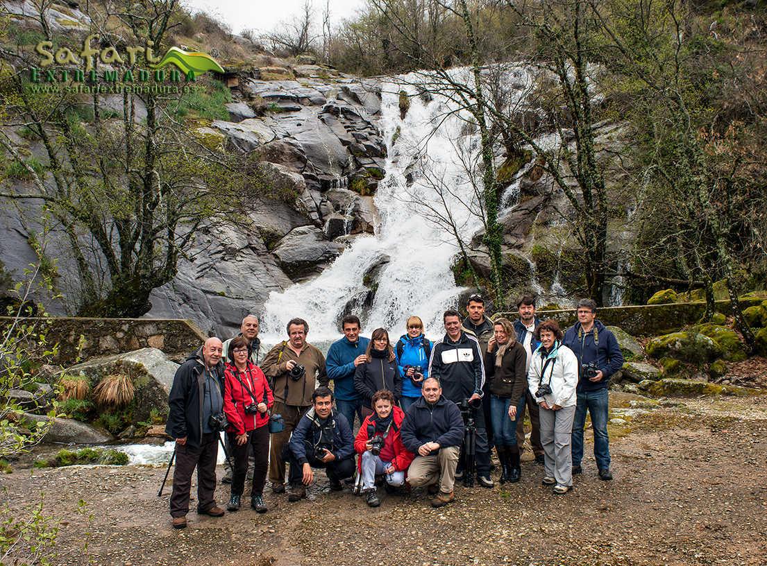 Rutas por Extremadura guiadas y fotográficas. Foto de grupo en Safari Extremadura